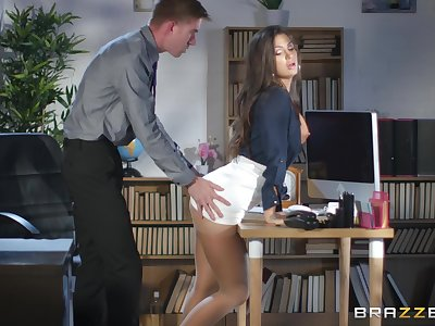 Susy Gala spreads her legs for a friend's hard shaft on the table