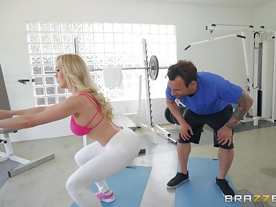 Brandi Love likes hard fuck at the gym wit her handsome trainer
