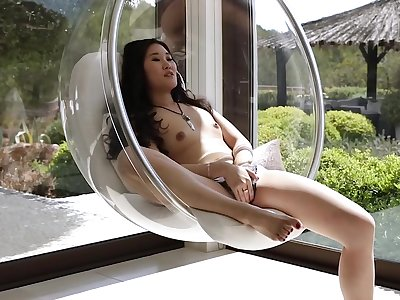Asian babe Katana hot solo boxing-match